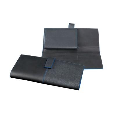 tarvel-wallet-man